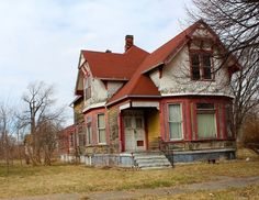 A $500 house never actually costs $500. | What It's Actually Like To Buy A $500 House In Detroit