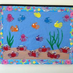 Hacer un postal enorme - cada niño hacer un pez. Dentro poner foto de cada uno y mensajes...