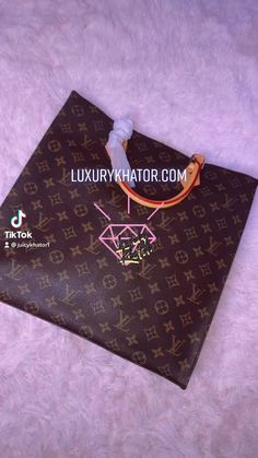 🛍 BOUJEE ON A BUDGET 🛒GET 25% OFF USING CODE SUMMER25 📲Follow our NEW account @juicykhator1 on TikTok for more! 💎Buy Now & Pay later with Affirm Buy Now, Louis Vuitton Monogram, Leather Bag, Budget, Coding, Shoulder Bag, Tote Bag, Purses, Luxury
