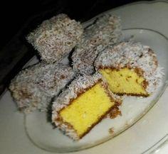Szafi Fitt szénhidrátszegény, gluténmentes kókuszkocka  receptet hoztunk nektek Julikával :) Gluténmentes diétás kókuszkocka Re...