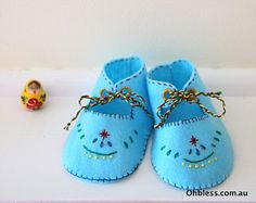 Felt baby booties baby shoes hand embroidered.