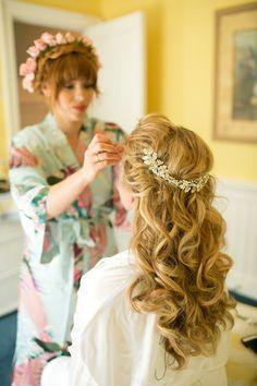 #hairstyles  Photography: Liz Maryann Photography - lizmaryann.com  Read More: http://www.stylemepretty.com/2013/09/26/keswick-virginia-wedding-from-liz-maryann-photography/