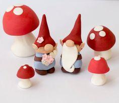 Fondant gnome and mushroom toppers See by SeasonablyAdorned Fondant Flower Cake, Fondant Bow, Fondant Cakes, Mushroom Crafts, Mushroom Decor, Mushroom Cake, Fairy Garden Cake, Garden Cakes, Fairy Tale Crafts