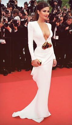 Cheryl Cole in white floor length plunging neckline gown 😍😯✔️ Sexy Dresses, Prom Dresses, Bridesmaid Gowns, Dresses 2014, Dress Prom, Dress Long, Formal Dresses, Wedding Dresses, Robes Glamour
