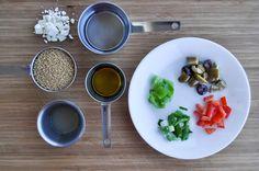 Ensalada griega de cuscús para microondas | 33 Cosas saludables para comer después de entrenar