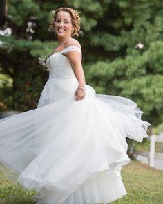 Stephanie & John | 9.17.16 . . #silkmill #wedding_day #mdweddingphotographer #weddingphoto #dcphotographer #mdphotographer #vaphotographer #couples #vawedding #dcwedding #mdwedding #weddingphotography #weddingjournalism  #marriage  #tietheknot #suit #weddings #weddingportrait #groom #blacktie #justmarried #tietheknot #bridesmaidsdress #rusticwedding #rusticdecor #fallforharison