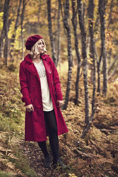 Cute Fall Outfits, Winter Fashion Outfits, Spring Outfits, Autumn Fashion, Cute Coats, Outdoor Portraits, Walk In The Woods, Fall Photos, Autumn Inspiration