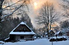 Zima na Veselém Kopci Cabin, House Styles, Cabins, Cottage, Wooden Houses