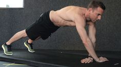 Do you want defined and firm upper arms? We show you the 7 best bodyweight exercises for a strong triceps. Do you want defined and firm upper arms? We show you the 7 best bodyweight exercises for a strong triceps. Fitness Logo, Fitness Workouts, Sport Fitness, At Home Workouts, Fitness Motivation, 300 Workout, Full Arm Workout, Workout Guide, Workout Videos