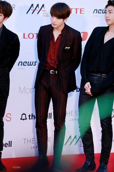 •161116 JUNGKOOK BTS @ Red Carpet of Asia Artist Awards || Blood Sweat & Tears