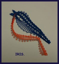 I put the eyes. - at Iris - Pin Coffee Lace Jewelry, Jewelery, Iris, Pin Weaving, Types Of Lace, Lace Heart, Lace Making, Bobbin Lace, Textiles