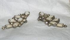 Vintage White EarringsRhinestones earringsclips by picsoflive, $12.00 Napkin Rings, Vintage Jewelry, Decor, Dekoration, Decoration, Vintage Jewellery