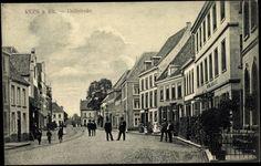 Ansichtskarte / Postkarte Rees Rhein, Dellstraße, Hotel, Fußgänger,Pflasterweg | akpool.de