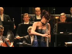 Wolfgang Amadeus Mozart- Clarinet Concerto  The MaJor, K. 622,  Soloist: Sharon Kam: Clarinet : Czech Philharmonic Orchestra /  Coductor: Manfred Honeck                                                                                            Theatre, Prague, 27 January 2006