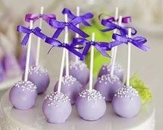 Cake pops romantiques de chocolat au lait à la violette Ingrédients