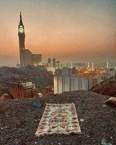 Islamic Images, Islamic Pictures, Islamic Art, Mecca Wallpaper, Islamic Quotes Wallpaper, Beautiful Mosques, Beautiful Places, Al Quran Digital, Mekka Islam