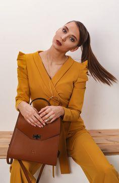 This monochrome 2 pieces set is perfect business casual. Office Outfits, Be Perfect, Business Casual, Monochrome, Jumpsuit, Dresses, Fashion, Overalls, Vestidos