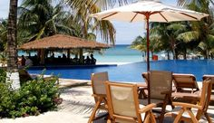Infinity Bay Spa & Resort: Be sure to spend some time in the sun by the 300-foot infinity pool. Honduras