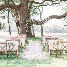 Garden ceremony arches and backdrops; wedding ceremony ideas; outdoor weddings; wedding decorations. #weddings #weddingideas