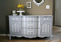 Comment peindre un meuble en bois Refurbished Furniture, Paint Furniture, Furniture Styles, Repurposed Furniture, Furniture Projects, Furniture Making, Furniture Makeover, Vintage Furniture, Furniture Online