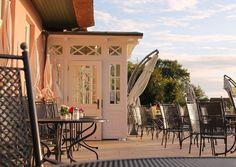 Café-Terrasse von Haus Namenlos. #Cafè #Hotel #Ahrenshoop #Ostsee