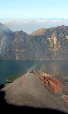 Hiking Mount Rinjani. Your best adventure in Lombok, Indonesia.