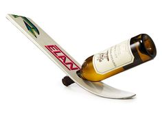 12 Great Wine Racks Made from Old Skis  - Buy Nothing New - www.buynothingnew.nl #ontdekwatjehebt #bnnm13