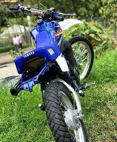 Dt Yamaha, Scrambler Motorcycle, Custom Bikes, Stunts, Motocross, Audi A3, Photo And Video, Vehicles, Bob
