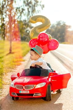 Simple 1st Birthday Party Boy, 2yr Old Birthday, Baby Boy 1st Birthday Party, 2nd Birthday Party Themes, Photography Mini Sessions, Newborn Baby Photography, Cars Trucks Birthday Party, Baby Deco, Baby Boy Pictures