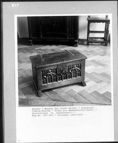Truhe mit Maßwerk 15. Jahrhundert, Museum der Stadt Aachen