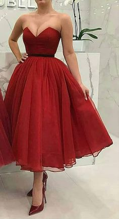How to Look Amazing For Homecoming in Your Homecoming Dress – Lady Dress Designs Grad Dresses Short, Cheap Homecoming Dresses, Tulle Prom Dress, Short Bridesmaid Dresses, Strapless Dress Formal, Diy Dress, Cheap Dresses, Disney Princess Dresses, Necklines For Dresses