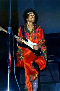 Jimi lookin good!!!