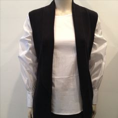f7be0c0f6086f Just Female Blouse Vally €85 Ted Baker Sleeveless Cardigan Leelih €140  Humanoid Flared Trousers