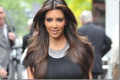 A Kim Kardashian se le está cayendo el cabello debido a su rápida pérdida de peso - http://www.leanoticias.com/2014/01/08/kim-kardashian-se-le-esta-cayendo-el-cabello-debido-su-rapida-perdida-de-peso/