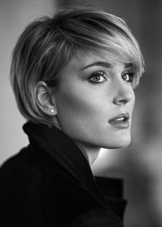Haircuts Trends Great hair Discovred by : Beaded & Co., Frisuren,, Haircuts Trends Great hair Discovred by : Beaded & Co. Source by shellypawlik. Haircut Trends 2017, Hair Trends, Short Bob Hairstyles, Cool Hairstyles, Celebrity Short Haircuts, Wedding Hairstyles, Bridal Hairstyle, Pixie Haircuts, Everyday Hairstyles