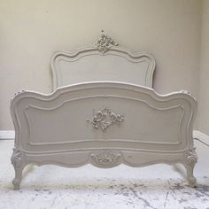 - Shabby Chic Bedroom Furniture Videos Old Dressers - Furniture Design Logo Painted Bedroom Furniture, French Furniture, Furniture Design, Bedroom Decor, Refurbished Furniture, Bedroom Sets, Girls Bedroom, Vintage Furniture, Furniture Ideas