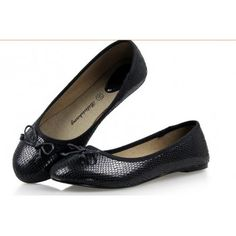 fe44de2e2ad New Women Shoes Breathable Slip On Loafers Round Toe Women Casual Flats  Fashion Snake Pattern Low Opening Shoes Woman