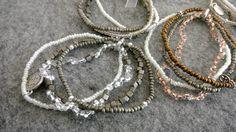 Handgemachte Perlenketten von Blumenstängel by Susanne Mangold Besuchen sie unsere Website unter www.blumenstaenge.de  Wenn sie Interesse an unseren Ketten haben schauen sie doch mal hier vorbei: https://www.ebay-kleinanzeigen.de/s-anzeige/perlenarmkettchen-im-set/624073342-156-9092 https://www.ebay-kleinanzeigen.de/s-anzeige/handgemachte-perlenkettchen/624141565-156-9092