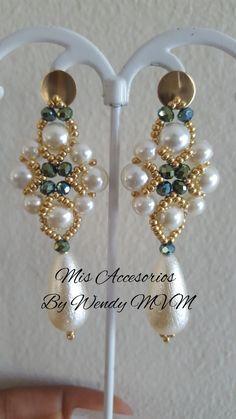 Bead Jewellery, Diy Jewelry, Jewelery, Jewelry Design, Jewelry Making, Beaded Earrings Patterns, Wood Necklace, Homemade Jewelry, Wire Earrings