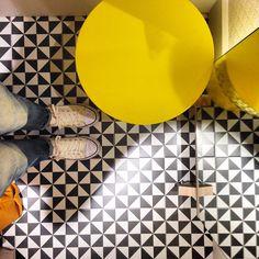 #vivesceramica #vives #ihavethisthingwithfloors #ilovetiles #iliketiles #azulejos #tiles #carrelage #fliesen #fliesenliebe #architecture #design #interiordesign #hydraulictiles #azulejohidraulico