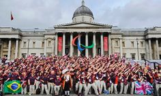 Olympic do the 'lightning Bolt' in front of the National Gallery