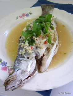 Steamed fish in garlic lime sauce