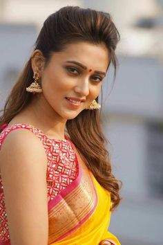 News, gossips, intro, info of Bollywood and South Indian cinema. It is all about hot and sexy actresses, celebrities and models Beautiful Bollywood Actress, Most Beautiful Indian Actress, Beautiful Actresses, Indian Actress Pics, Indian Actresses, Saree Models, Beautiful Girl Image, Beautiful Women, Beautiful Saree