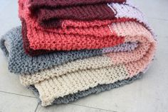 I wish I had the patience and time to knit blankets, so soft and pretty.