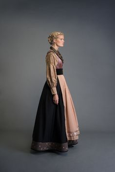 Traditional Fashion, Traditional Dresses, Norwegian Style, Folk Fashion, Folk Costume, Pretty Dresses, Dress To Impress, Fashion Outfits, Clothes For Women