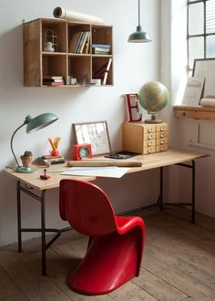 Home office inspiration Industrial Home Offices, Industrial Workspace, Kid Spaces, Living Spaces, Work Spaces, Casa Kids, Ideas Habitaciones, Kids Workspace, Kid Desk