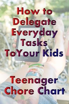 A guide to help you delegate age-appropriate chores to your kids. Use this responsibility chore chart as a guideline. Chore Chart Teenagers, Teen Chore Chart, Chore Charts, Teenage Chores, Chores For Kids By Age, Children Chores, Parenting Teens, Parenting Advice, Chore Schedule