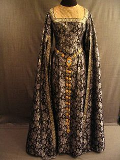 museum 1300's Fashion | Gown Medieval, grey blue floral