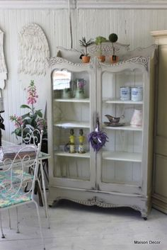 Customize your colors by mixing two together~like this antique bookcase in Paris Grey and Country Grey!