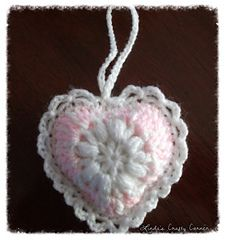This is a simple little heart design, great for using up those little scraps of yarn.